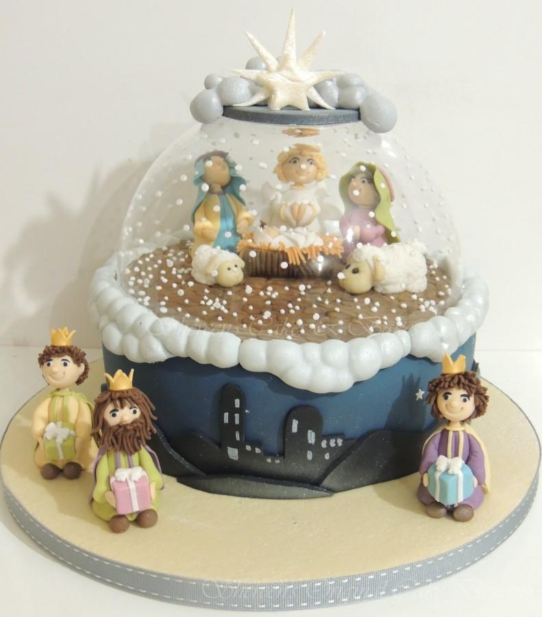 Nativity Christmas Cake Design : Christmas Nativity Snow Globe - CakeCentral.com