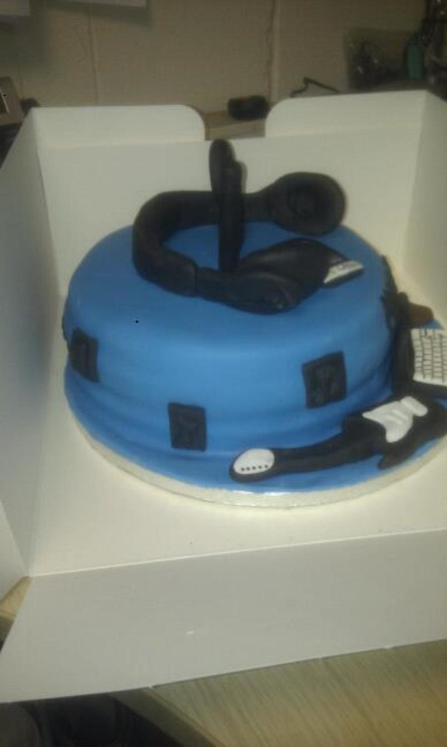 Male 18th Birthday Hobby Cake Cakecentral Com