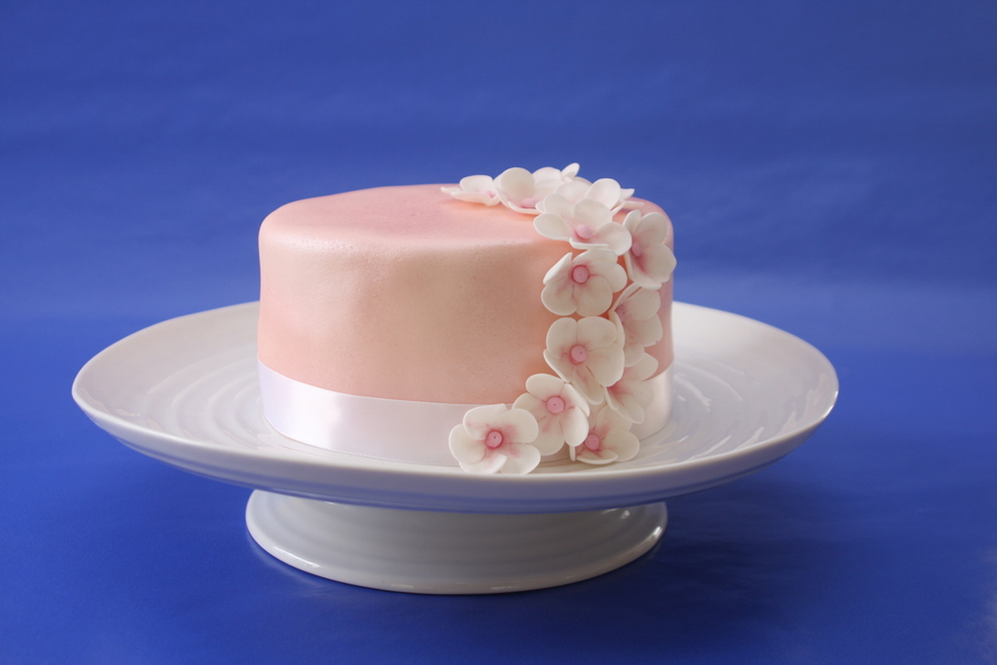 Pink Flowers on Cake Central