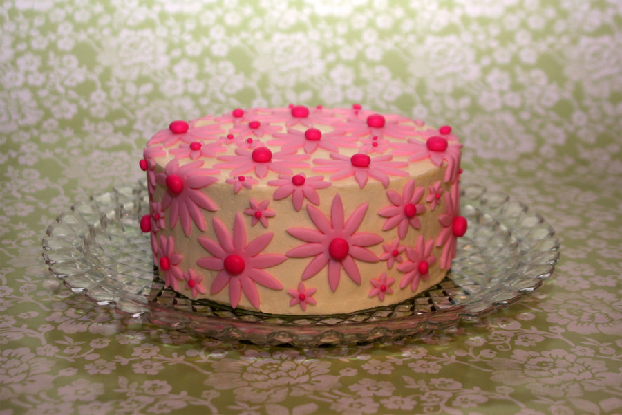 Pink Daisies on Cake Central