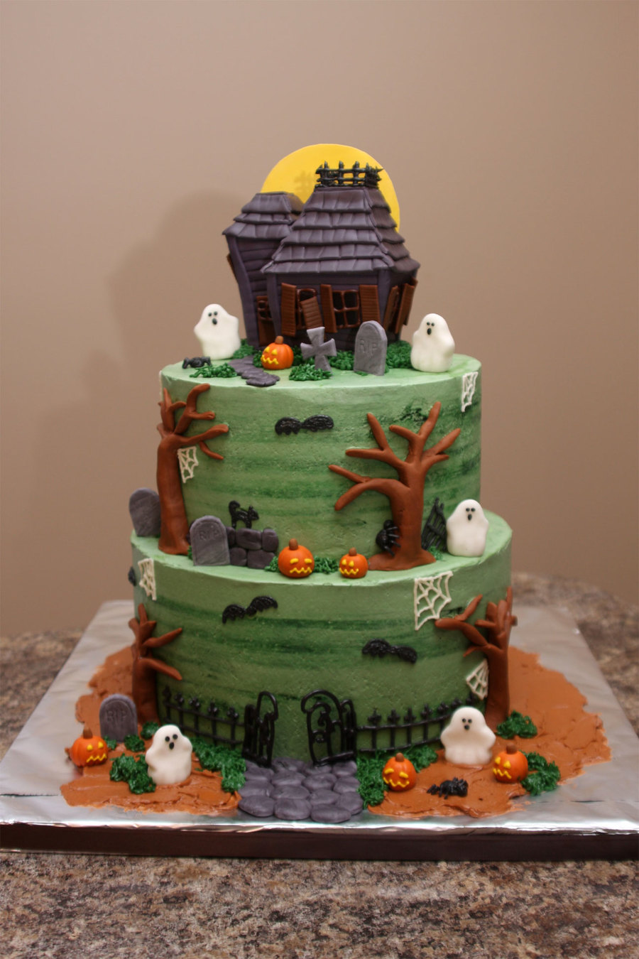 Haunted House on Cake Central