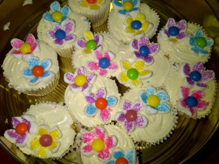 Flower Birthday Cupcakes on Cake Central