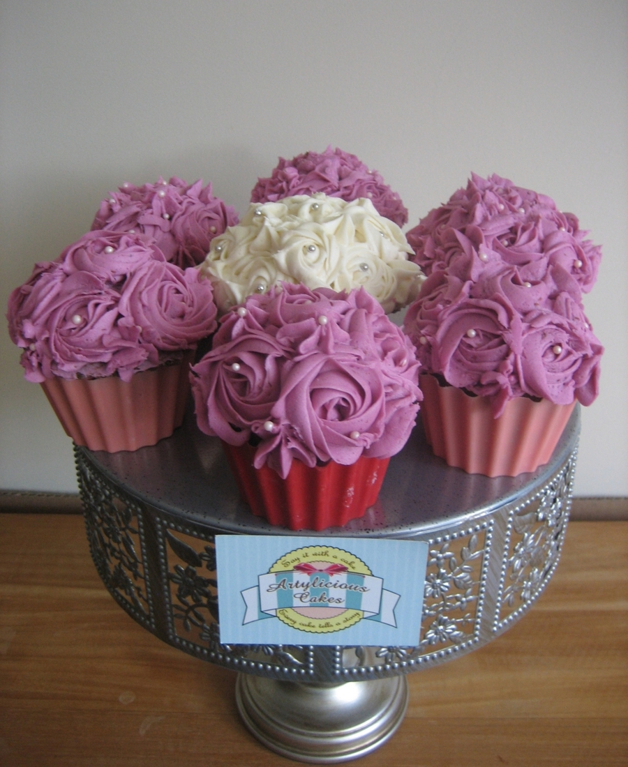 Midi Flower Cupcakes Cakecentral Com