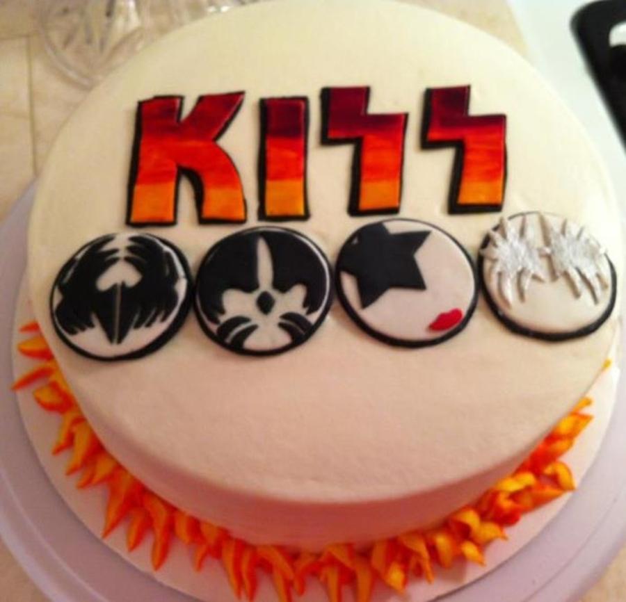 Kiss Cake Cakecentral Com