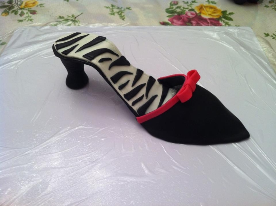 Fondant High Heel on Cake Central