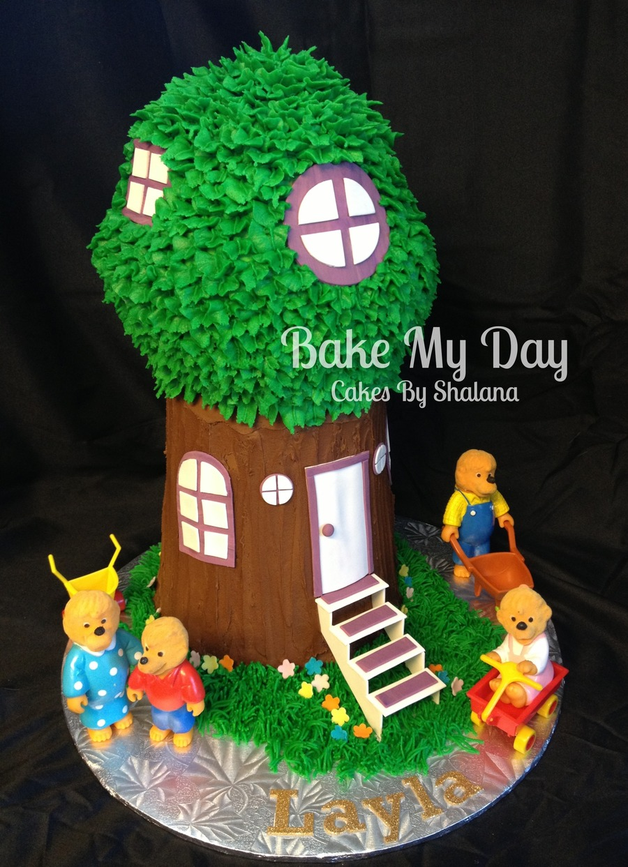 Berenstein Bears  on Cake Central