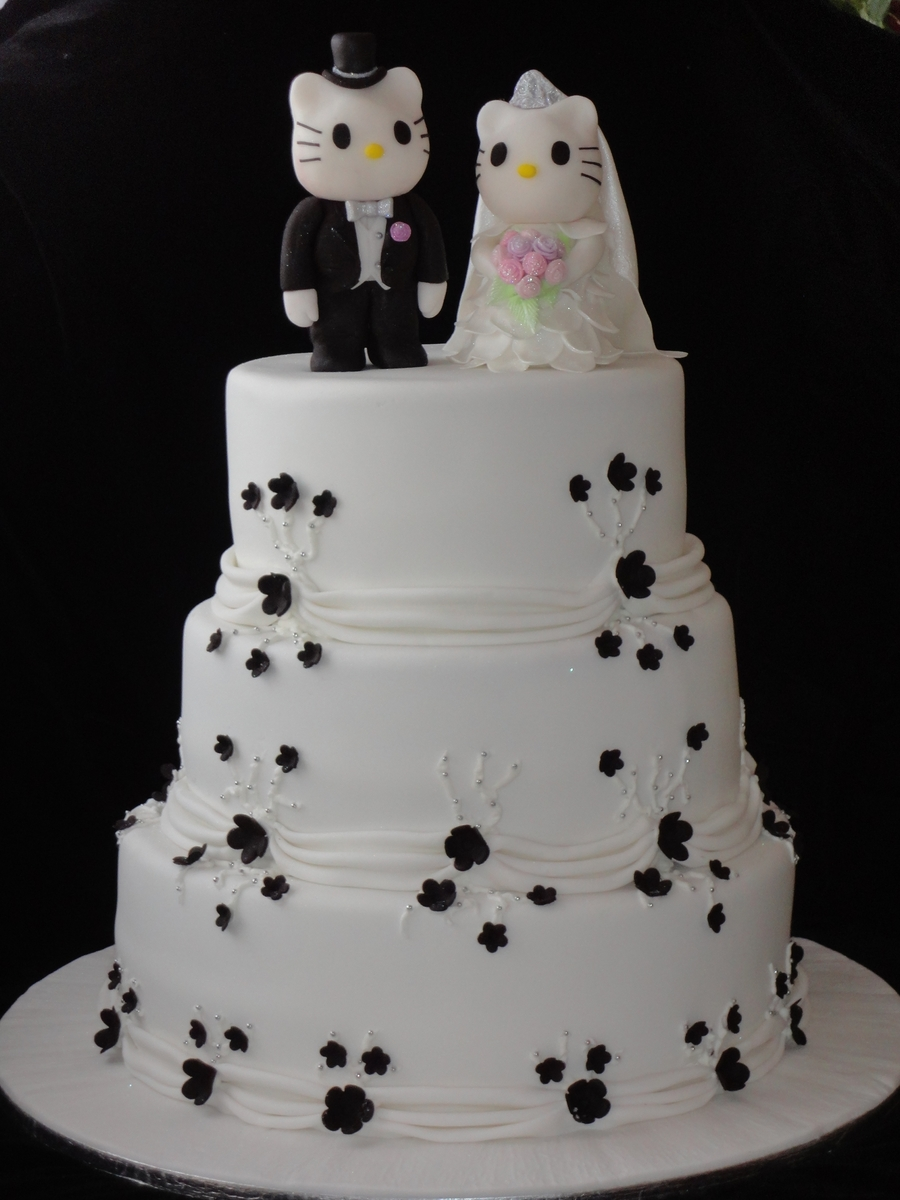 hello kitty wedding cakes hello kitty wedding cake cakecentral 15198