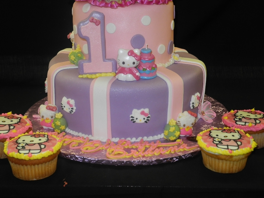 Pleasant Hello Kitty 1St Birthday Cake Cakecentral Com Personalised Birthday Cards Veneteletsinfo