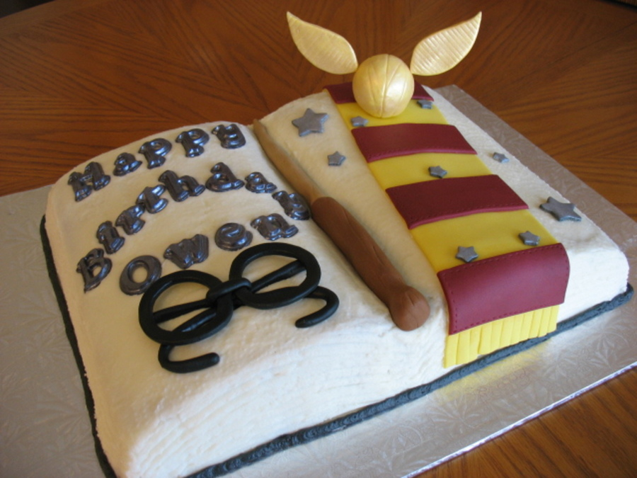 Harry Potter Book Cake Chocolate Cake With Vanilla Buttercream Fondant Accents With Chocolate Letters