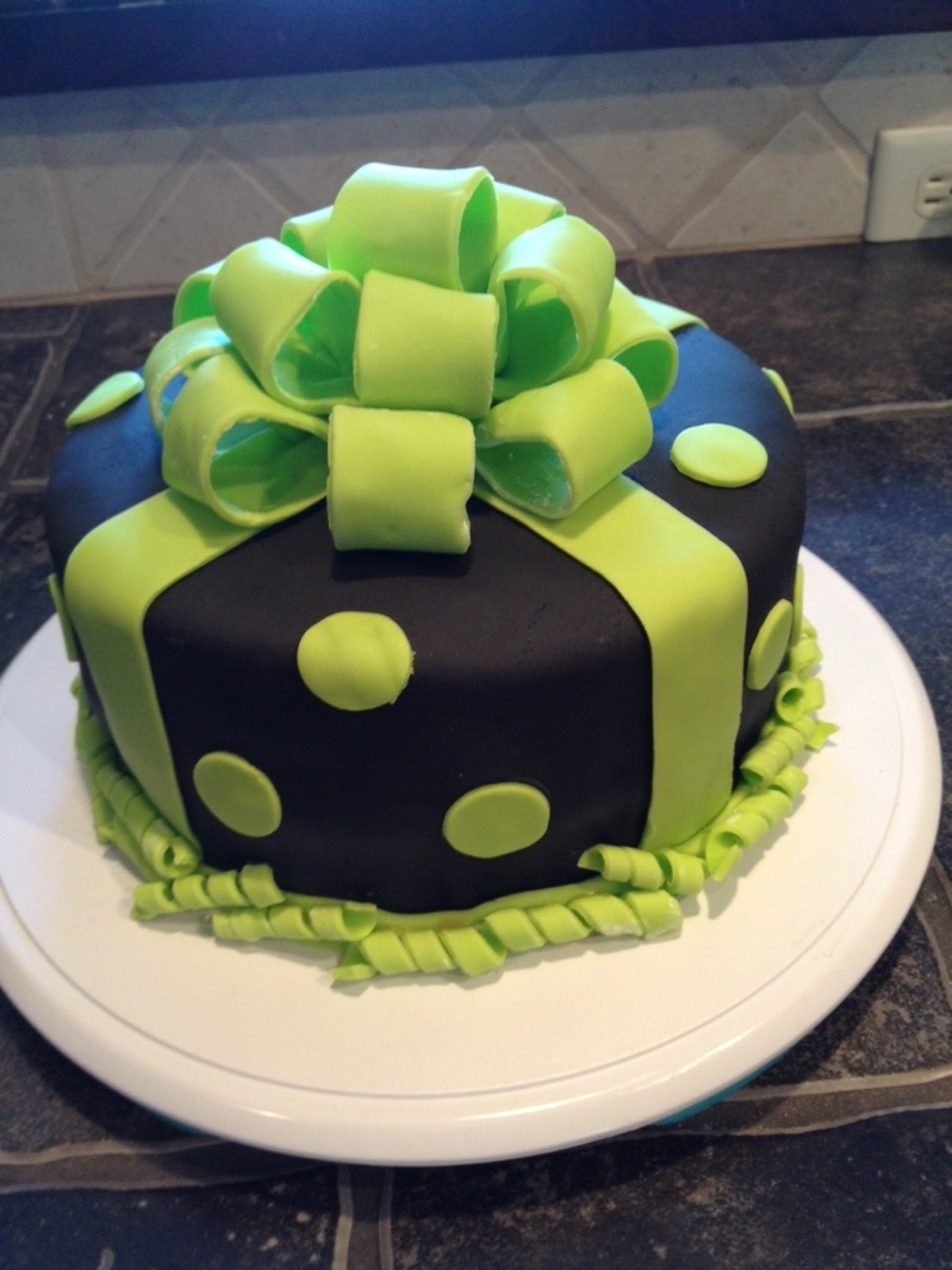 Black And Lime Green Bow Cake on Cake Central