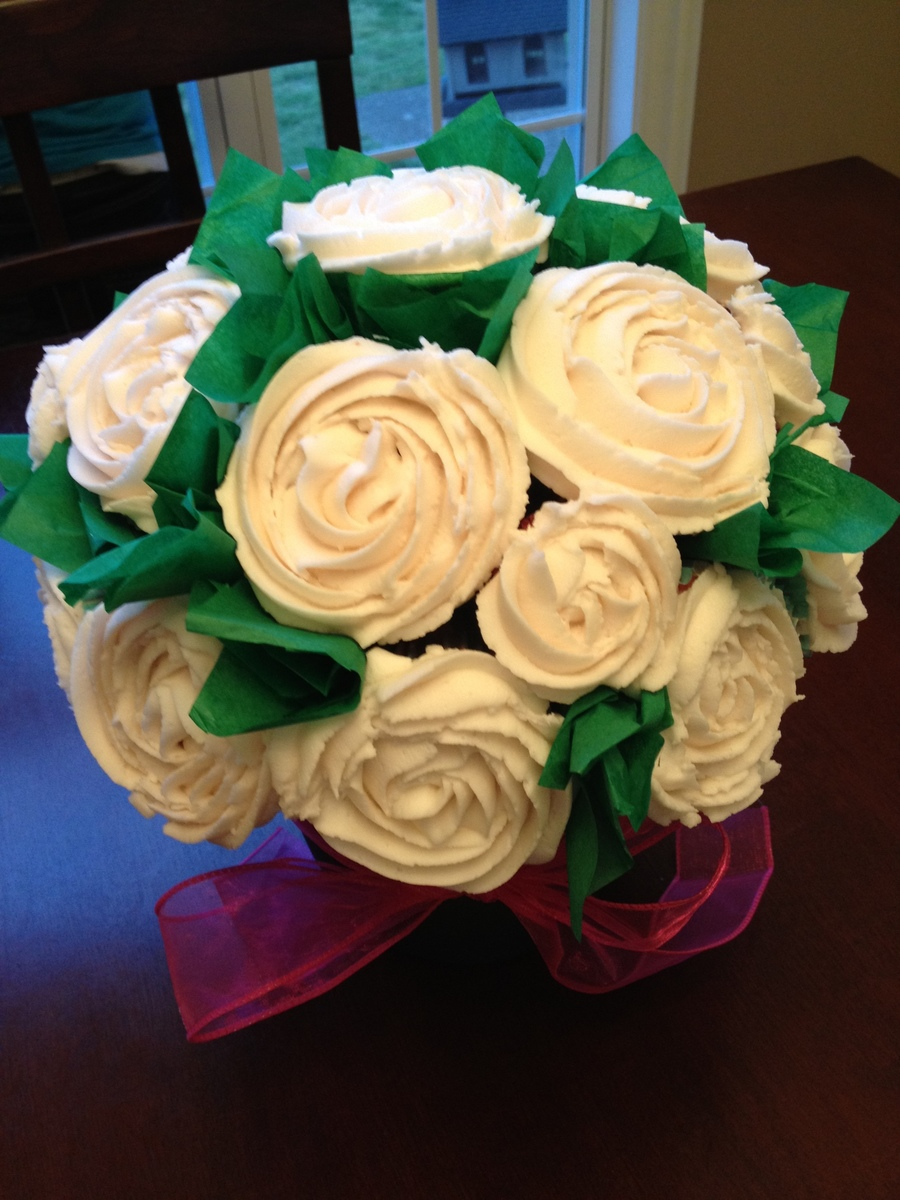 Buttercream Roses On Cupcake Bouquet  on Cake Central