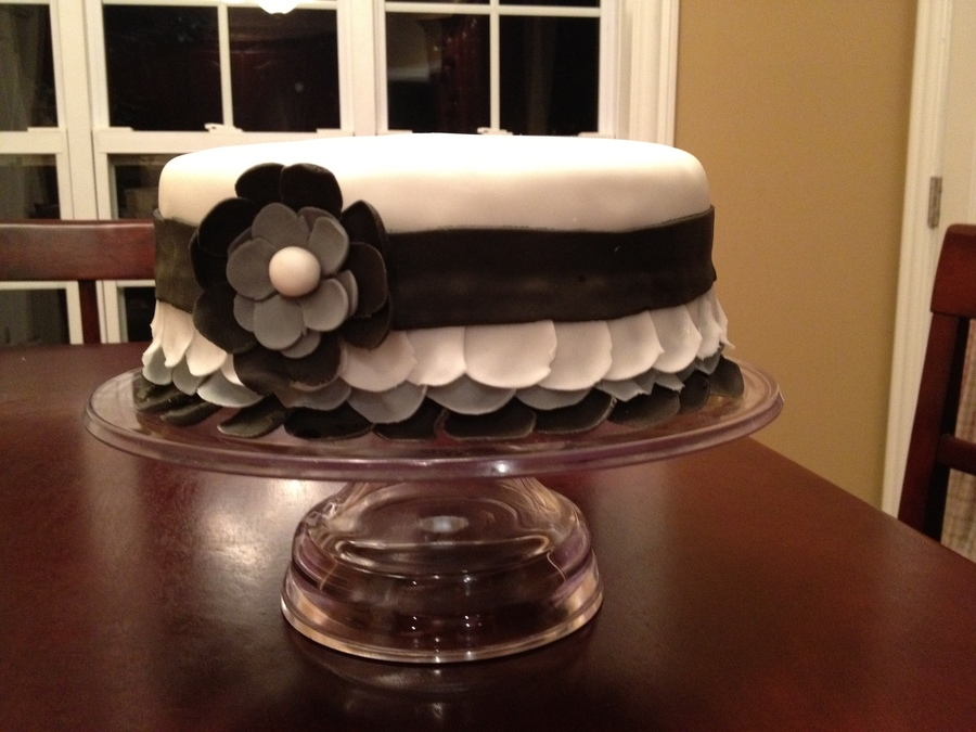 Black And White Ruffles With Flower on Cake Central