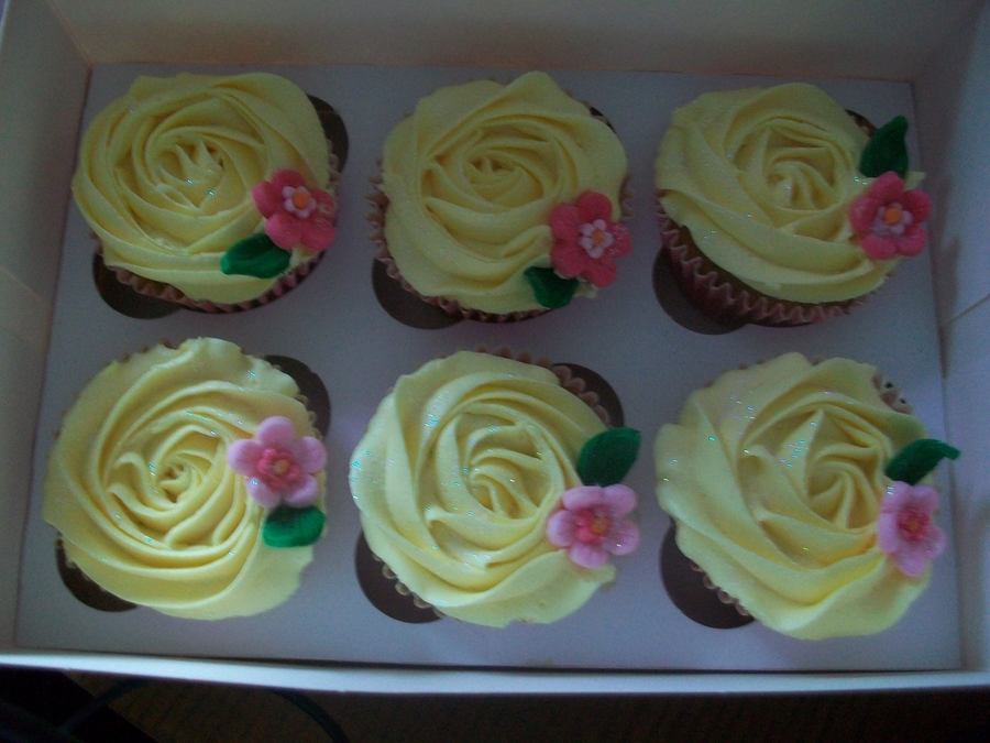 Buttercrean Rose Cupcakes on Cake Central