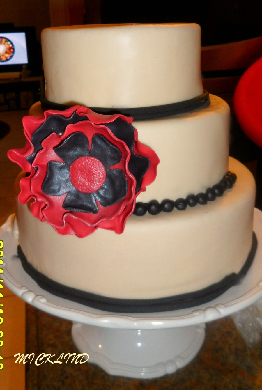 A Wedding Cake on Cake Central