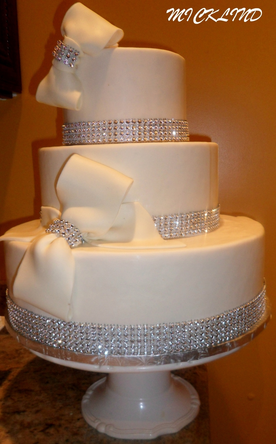 wedding cake with bows and bling bows amp rhinestones wedding cake cakecentral 26837