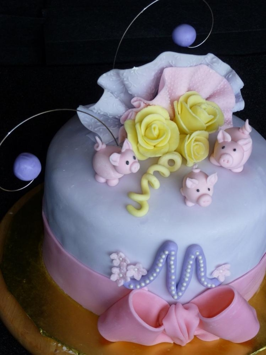 Three Little Pigs Birthday Cake on Cake Central