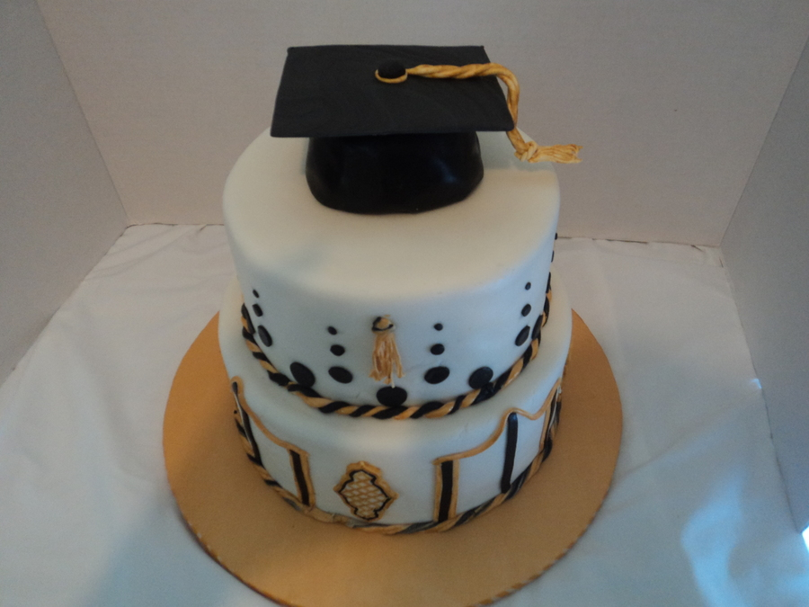 Kevin's Graduation on Cake Central