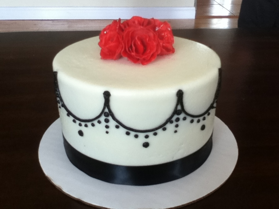 Black, White, And Red on Cake Central