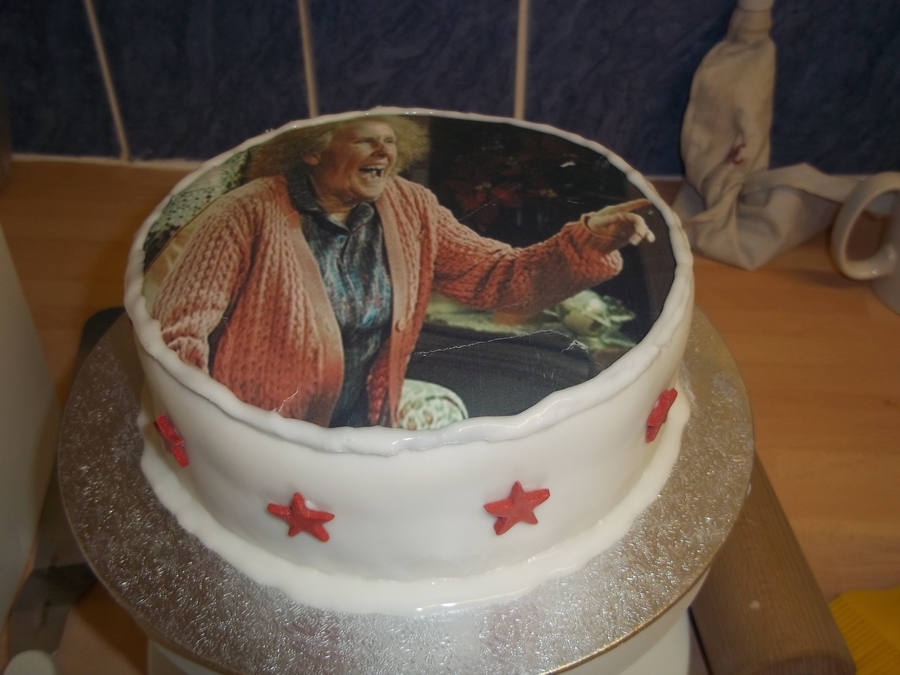 Catherine Tate's Nan on Cake Central