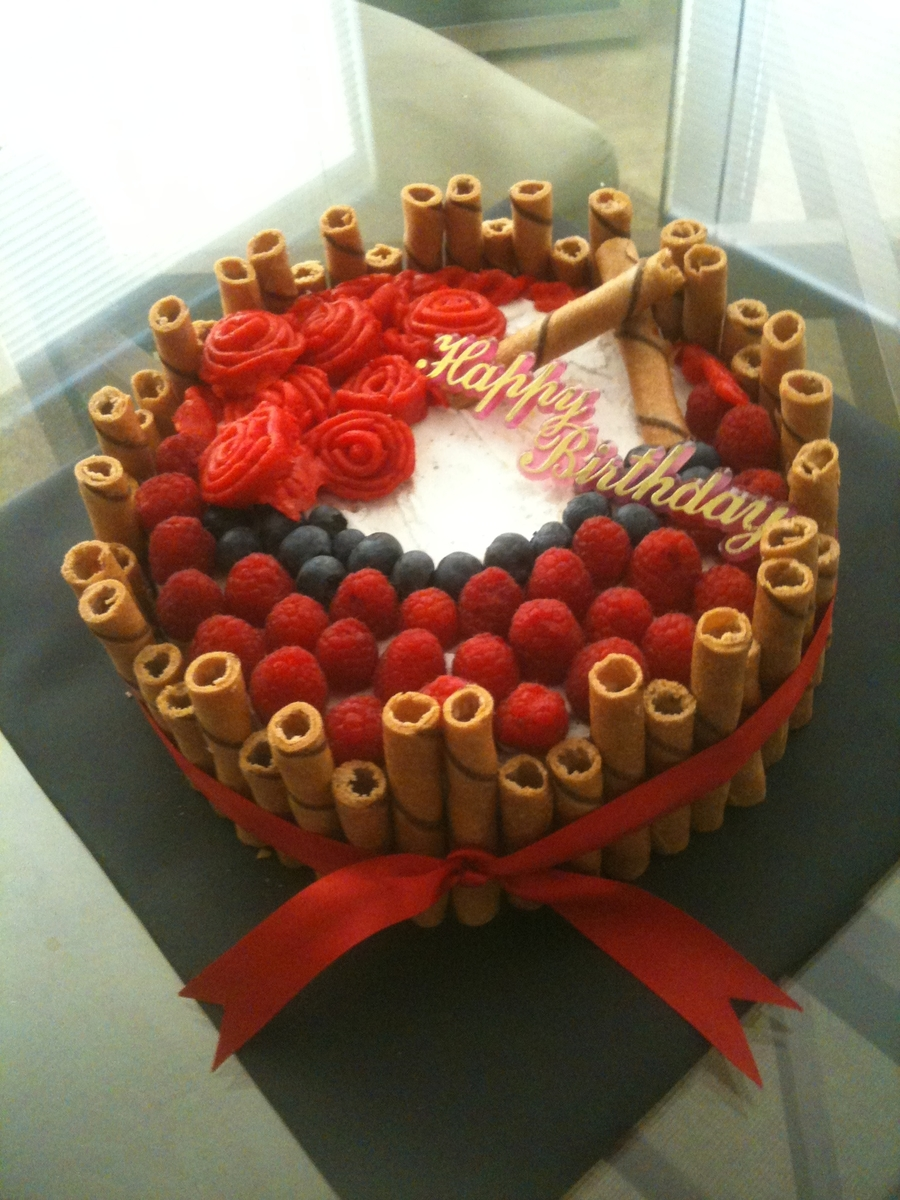 Fruit Cake With Strawberry Filling on Cake Central
