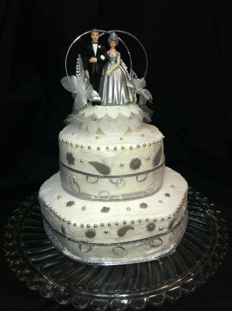 Small Wedding For An Elder Couple  on Cake Central