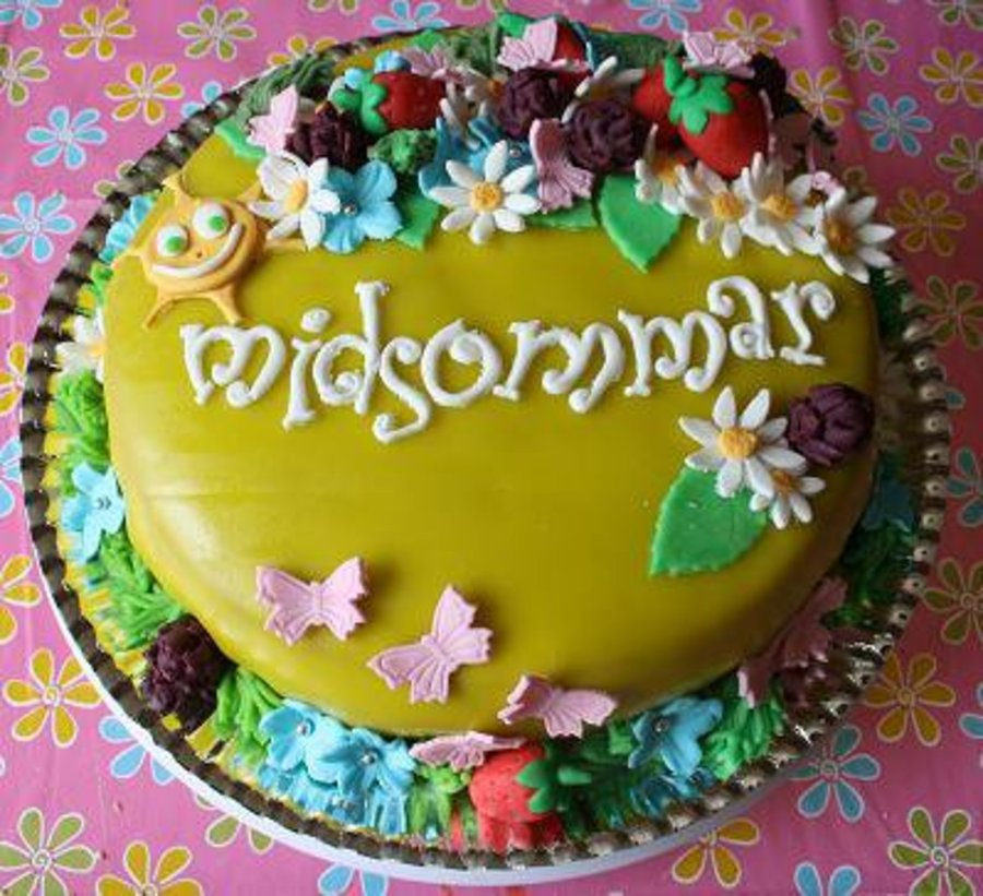 Midsummer Cake on Cake Central
