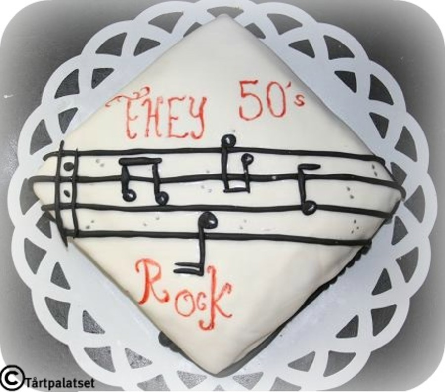 They 50?s Rock  on Cake Central