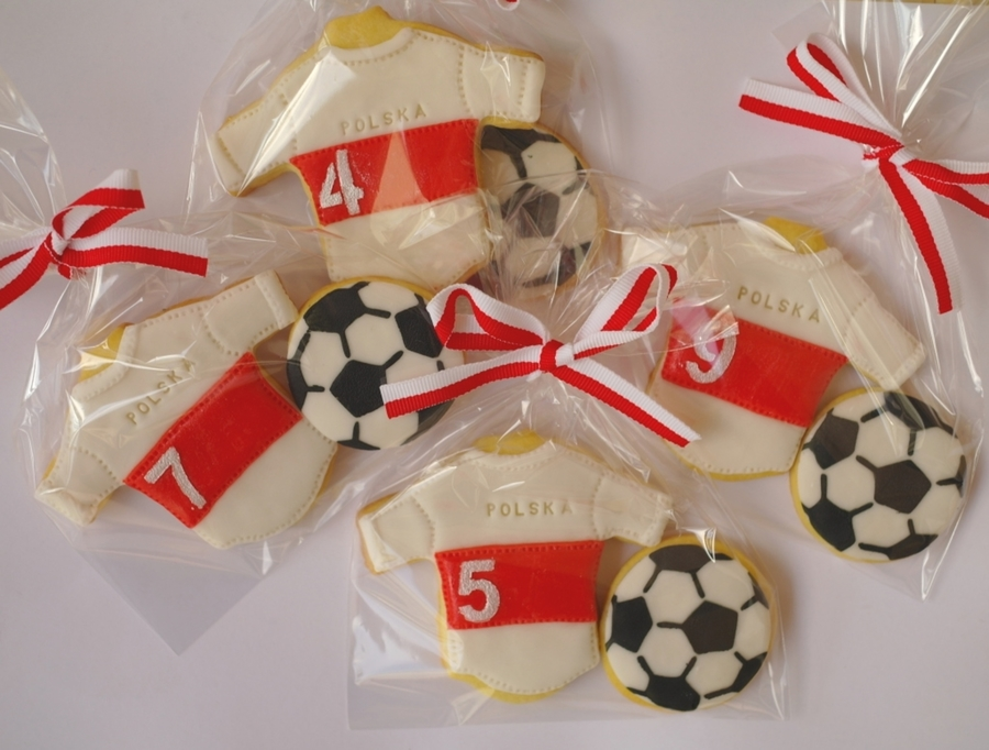 Polish Football Representation Cookie Set :-) on Cake Central