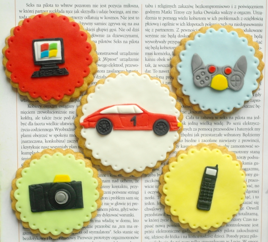 Men's Favourite Toys :-)  on Cake Central