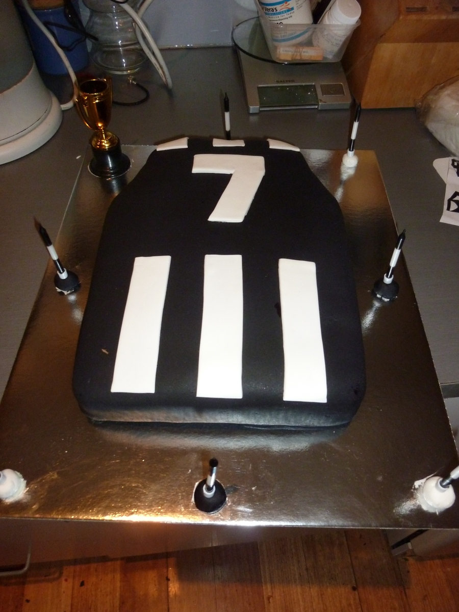 Collingwood Cake on Cake Central
