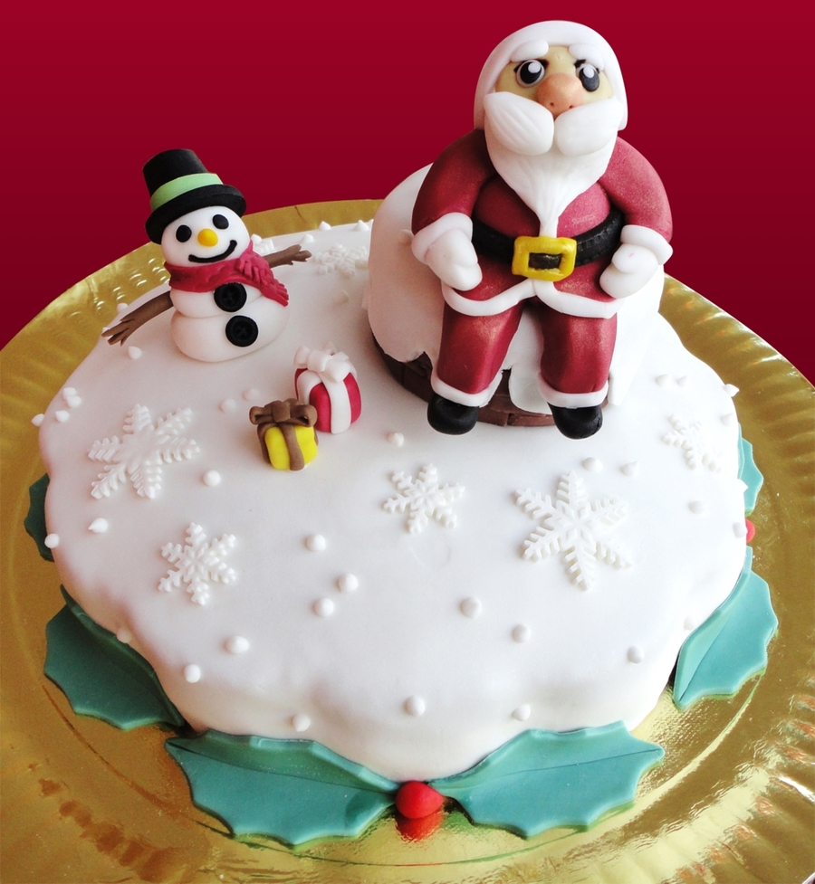 Santa And Frosty Around The Chimney on Cake Central