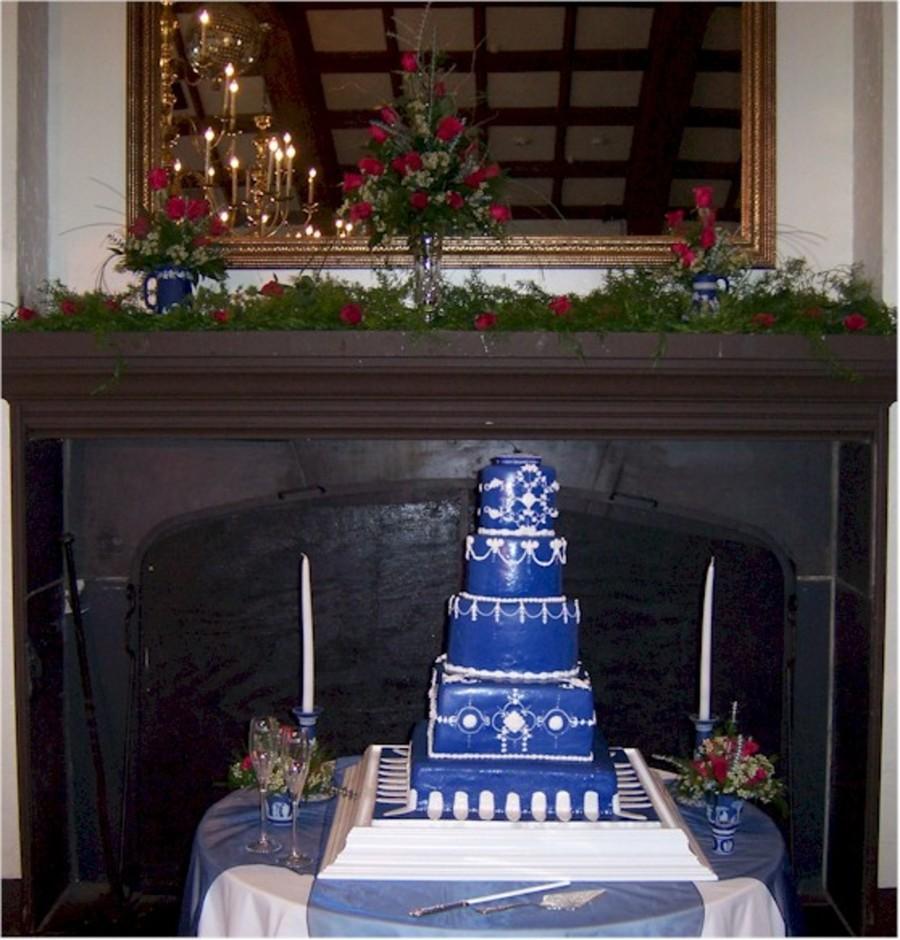 Wedgewood Cake Stand