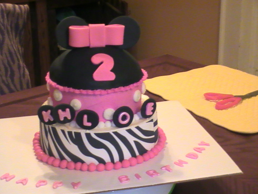 Minnie Mouse 004 on Cake Central