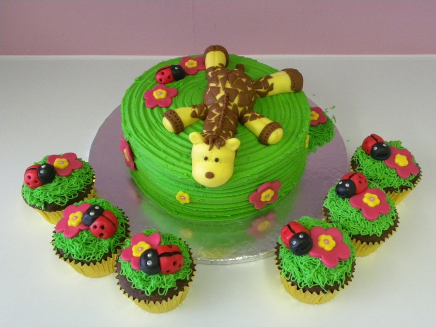 Giraffe And Ladybird on Cake Central