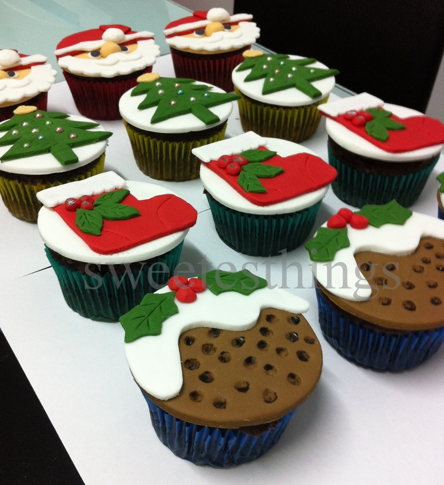 Christmas Cupcakes 2011 on Cake Central