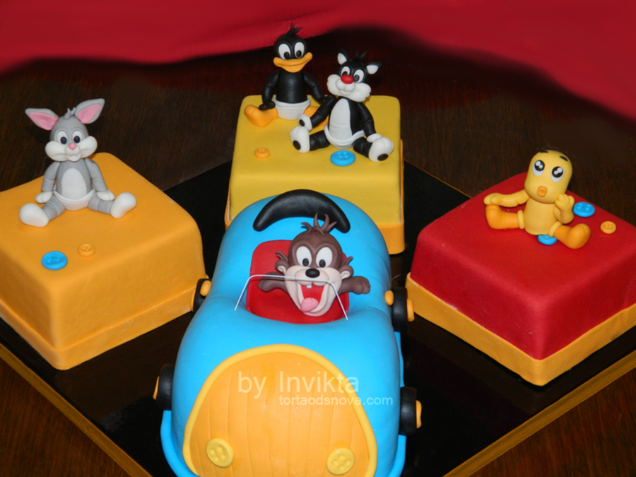 Looney Tunes Cake  on Cake Central