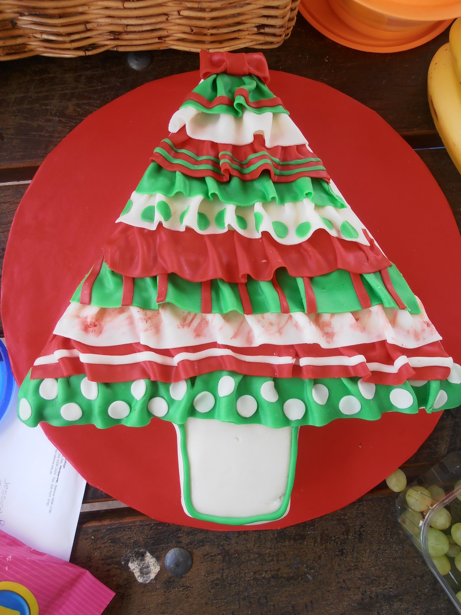 Christmas Tree Ruffles on Cake Central