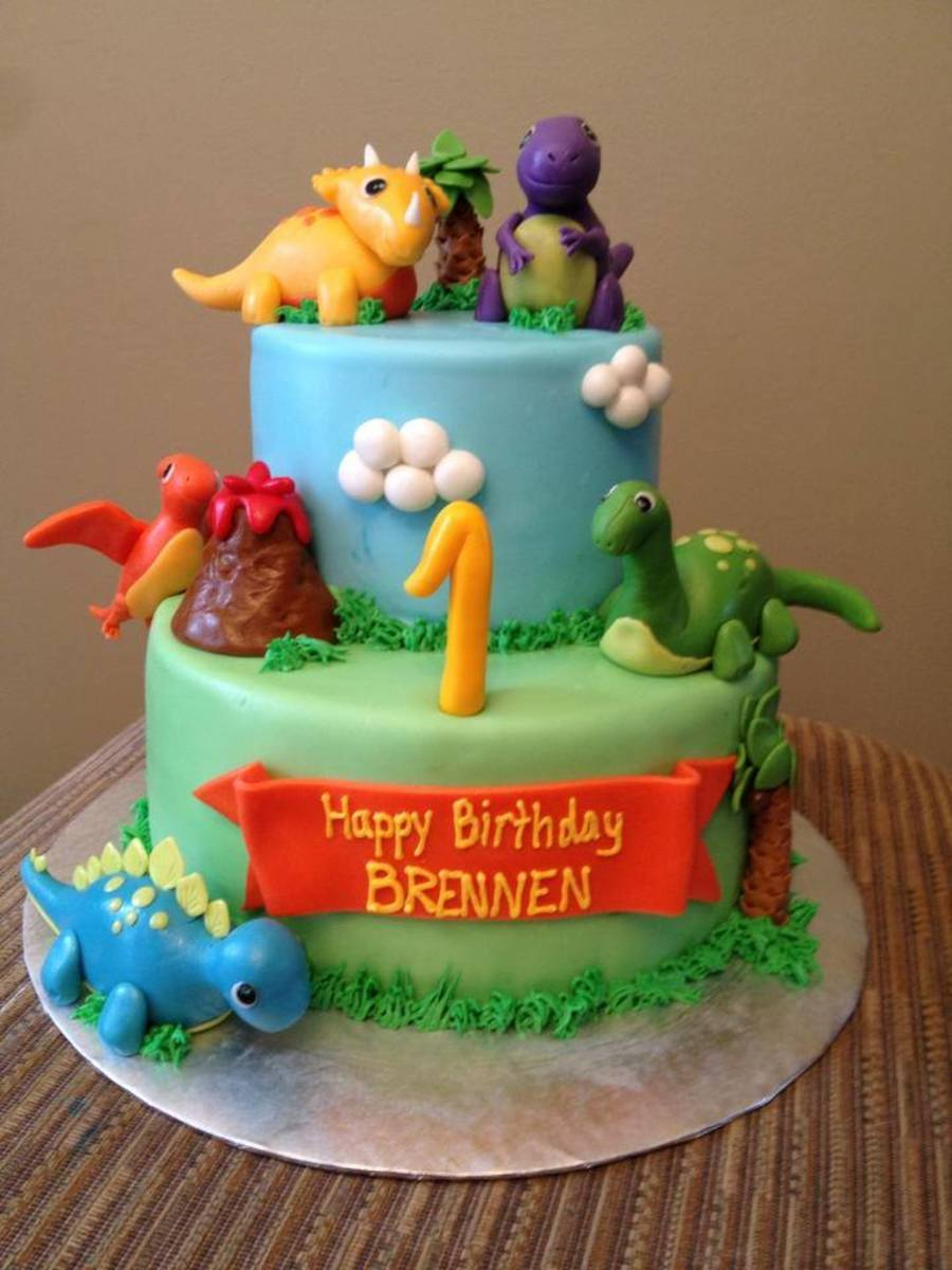 Dinosaur theme 1st birthday cake for 1st birthday cake decoration