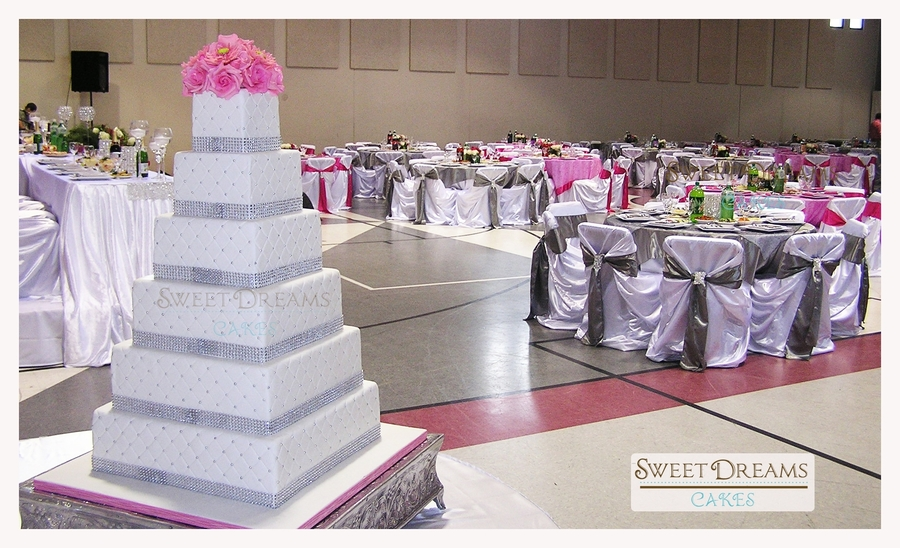 square wedding cakes with bling square bling wedding cake cakecentral 20416