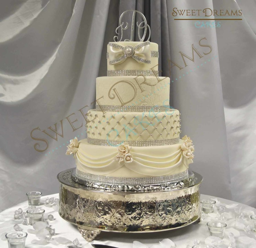 white and silver square wedding cakes white and silver wedding cake cakecentral 27225