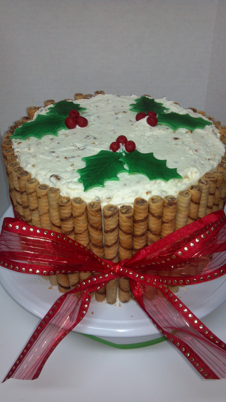 Christmas Holly Cake on Cake Central
