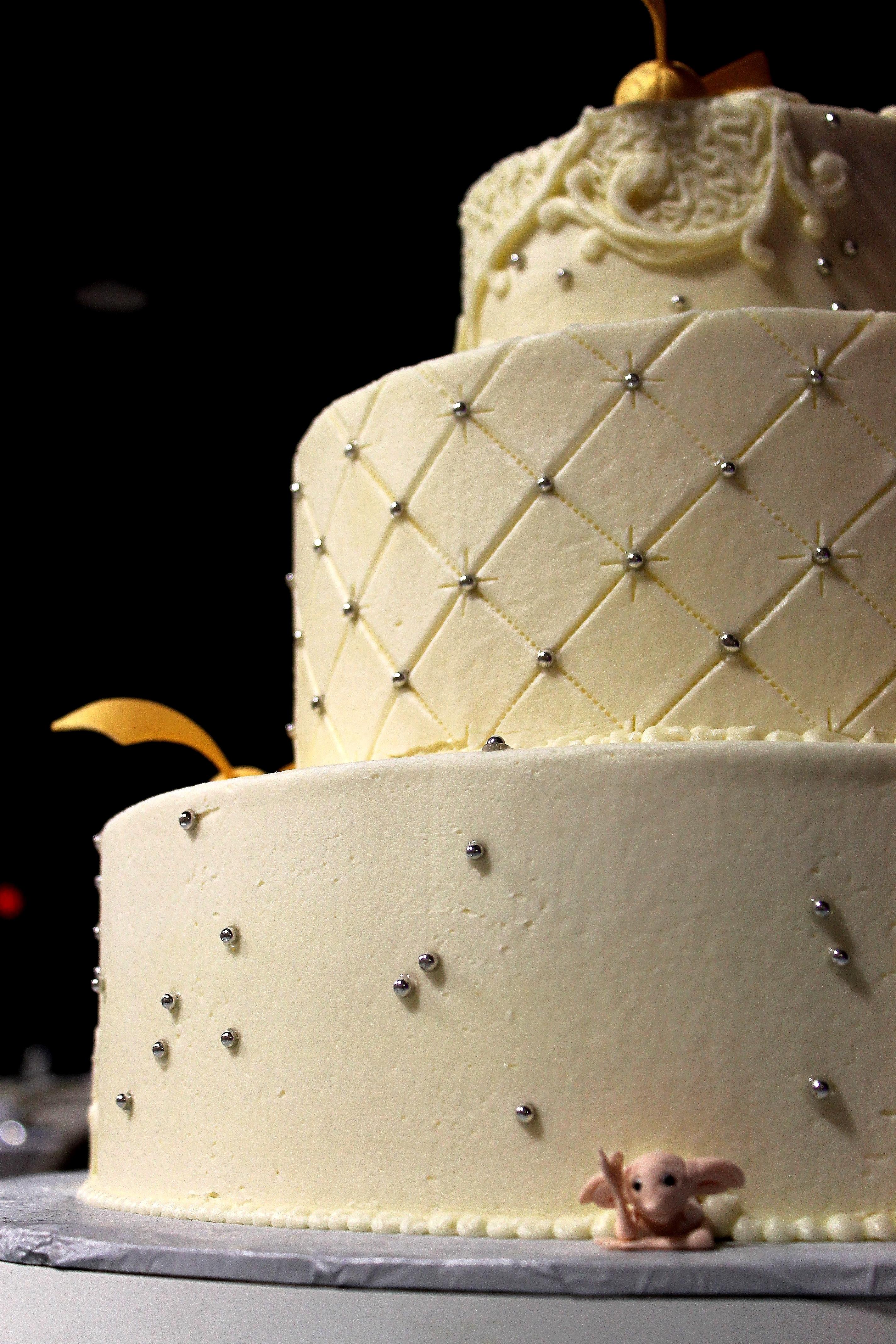 Harry Potter Cake Harry Potter Wedding Cake Gold Snitch