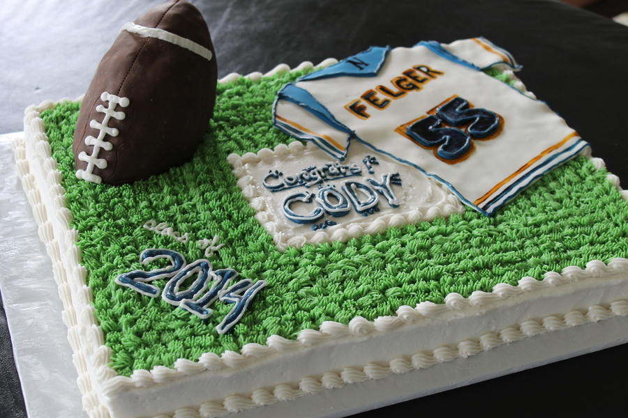 football wedding cake ideas football cake graduation cake sheet cake buttercream cake 14398
