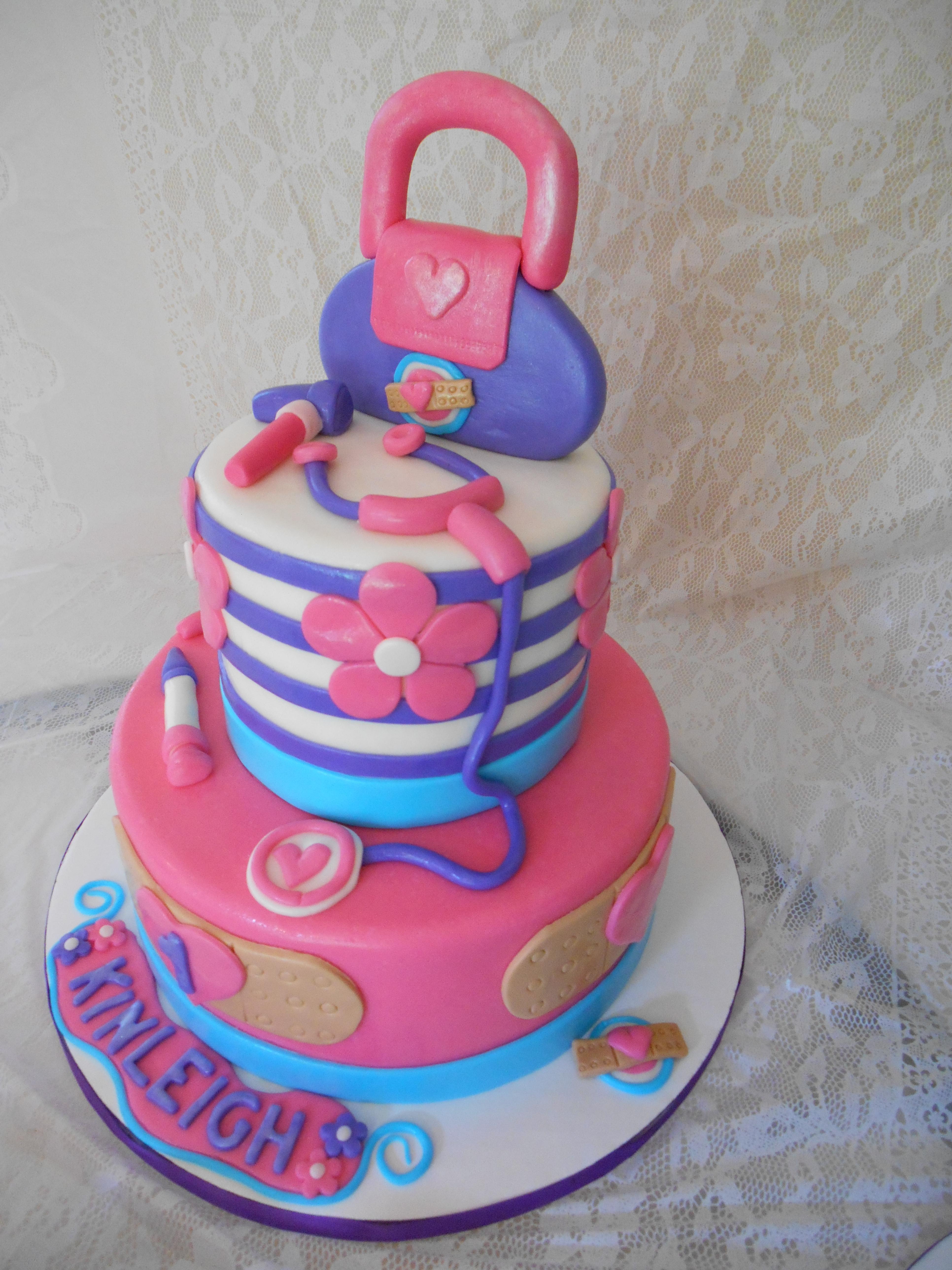 Doc Mcstuffins Smash Cake And Cupcakes