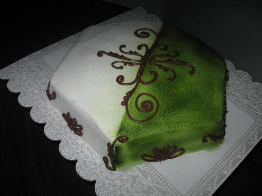 Green & White on Cake Central