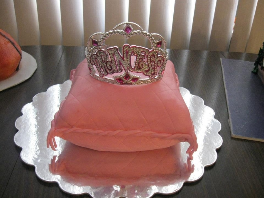 Royal Pillow on Cake Central