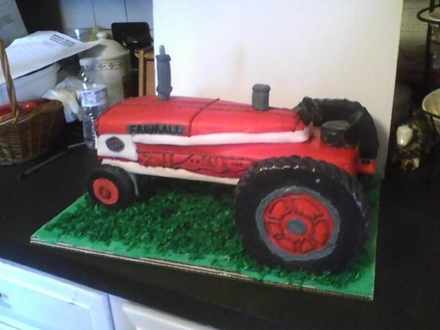 Farmall Tractor Cake on Cake Central