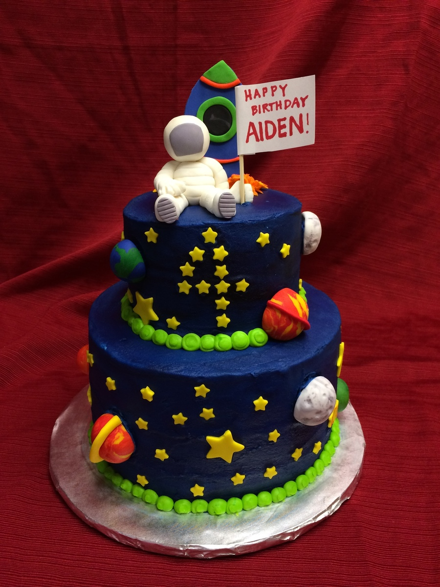 Space Themed Cake With Astronaut And Rocket. - CakeCentral.com