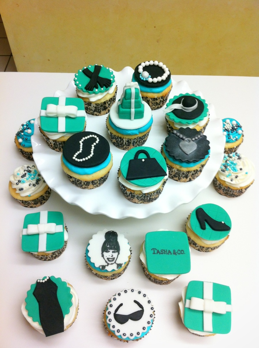 Breakfast At Tiffanys Themed Bridal Shower Cupcakes Cakecentral