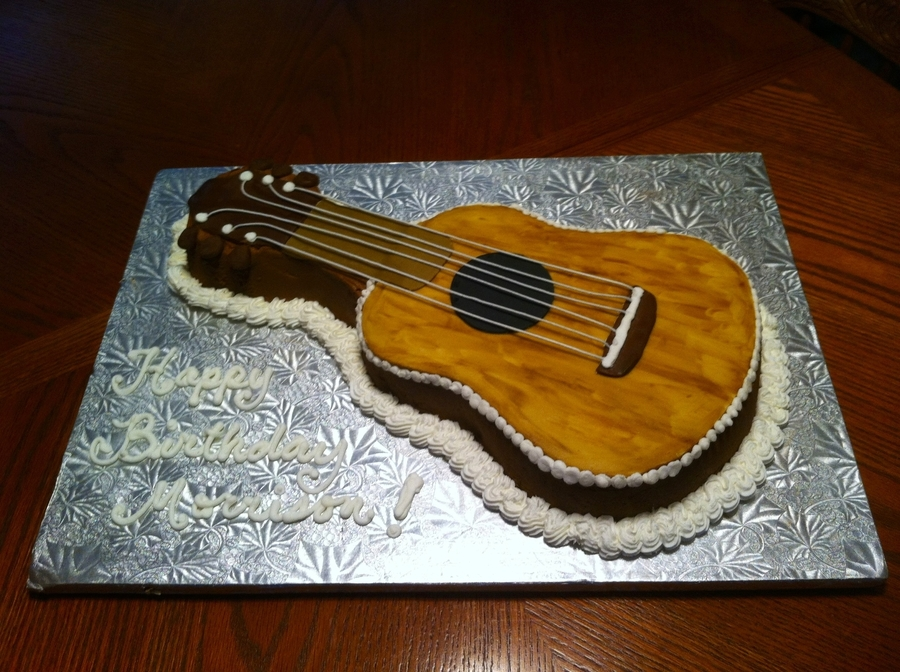 How To Decorate A Wilton Guitar Cake